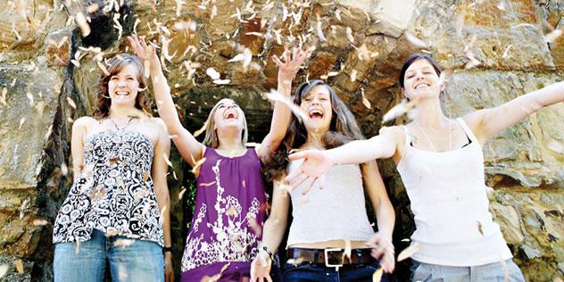 Vier junge Frauen, © Conny Wenk, Stuttgart